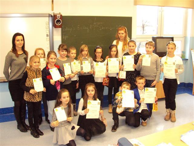 Mikołajkowy kaligraficzny konkurs języka angielskiego dla uczniów klas czwartych