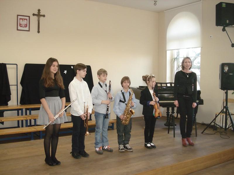 Występ uczniów ze Szkoły Muzycznej