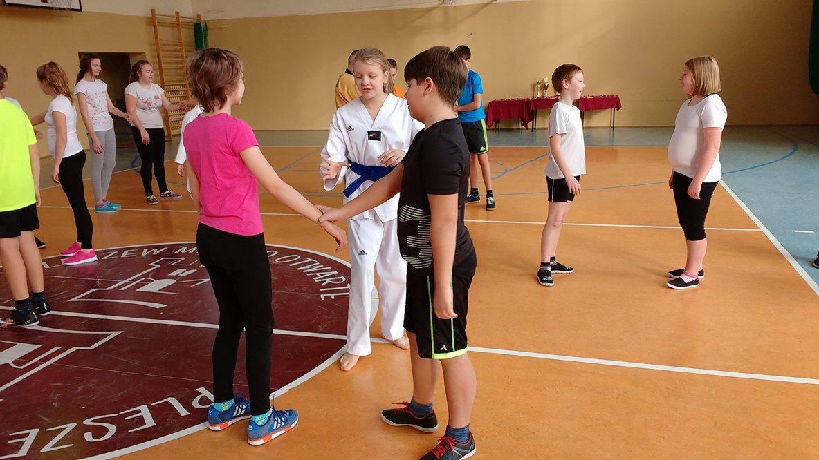 """Pokaz taekwondo w """"Dwójce"""""""