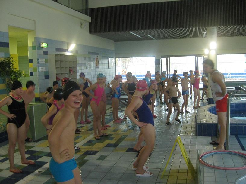 Nauka pływania dla uczniów klas III