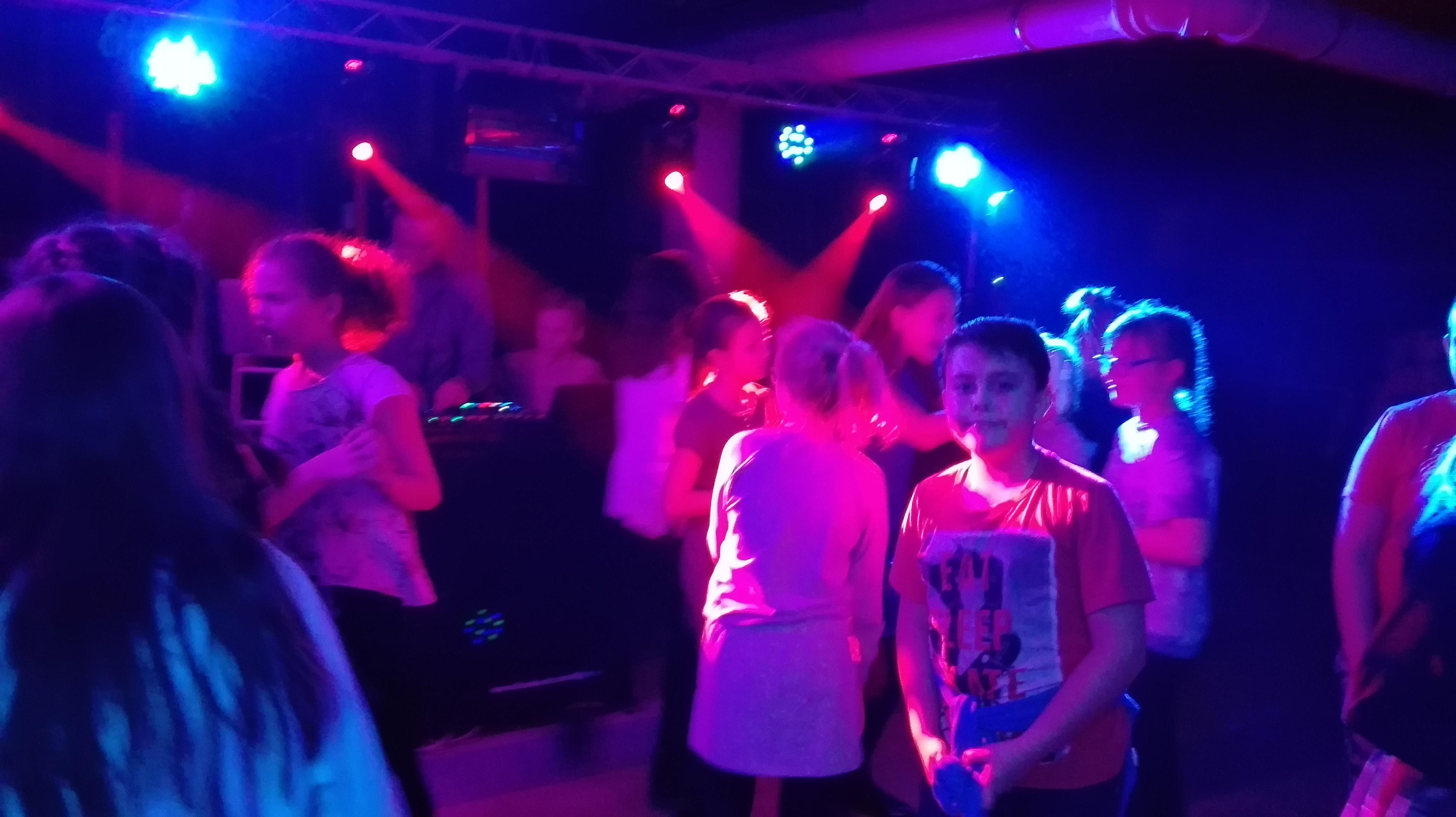 Super dyskoteka andrzejkowa klas IV-VI i DJ May!