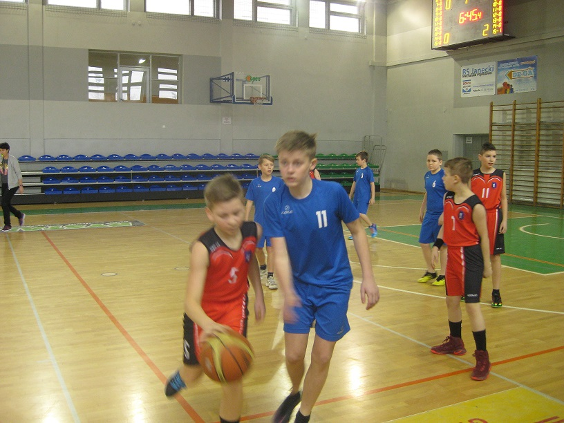 Powiatowe rozgrywki koszykarzy SP