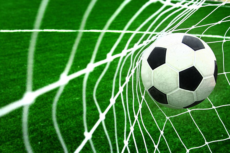 Szkolne Mistrzostwa w Piłkę Nożną