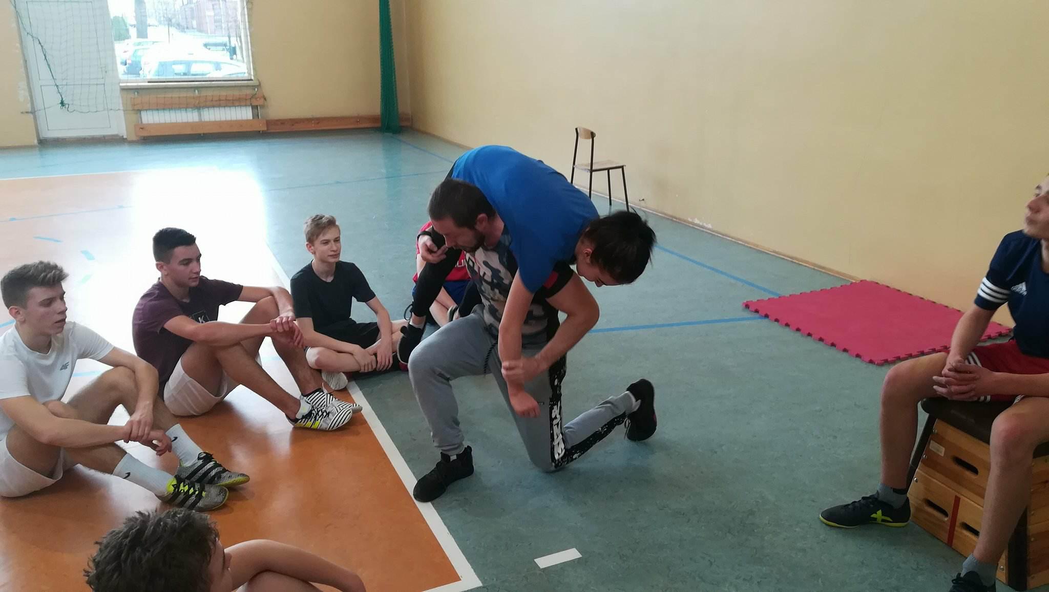Zajęcia z instruktorem sportów siłowych oraz crossfit