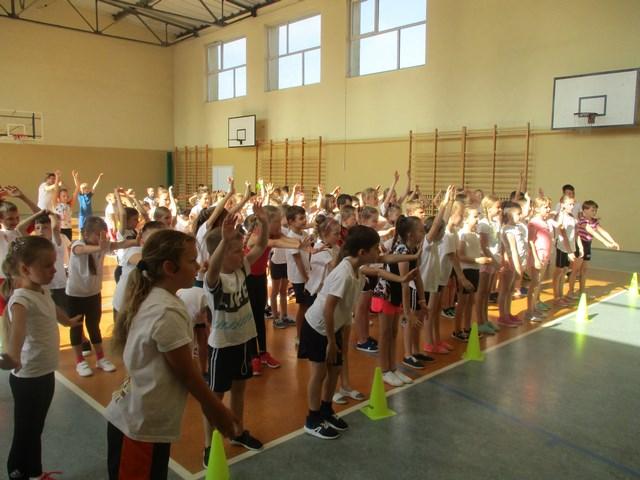 Uczniowie klas I- III uczestniczyli w Wiosennej Olimpiadzie Sportowej