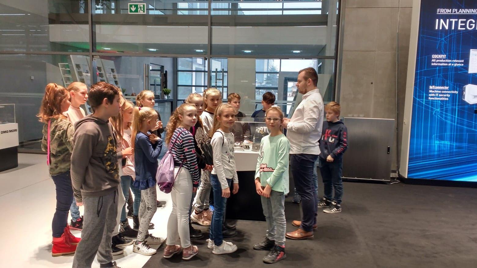 Uczniowie klasy IVd odwiedzili Famot