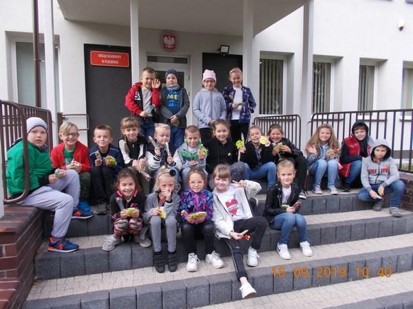 Uczniowie klasy IIa na wycieczce w Urzędzie Skarbowym
