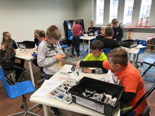 Kosmiczna przygoda z LEGO- zajęcia z Projektu Koder Junior