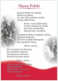 """W ramach ogólnopolskiej akcji """"Szkoła do hymnu"""" w Pleszewskiej Dwójce odśpiewano 4 zwrotki hymnu narodowego"""