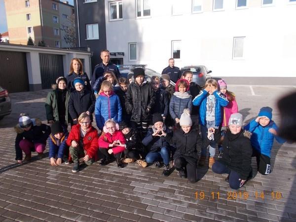 Uczniowie klasy IIa zwiedzili Komisariat Policji w Pleszewie
