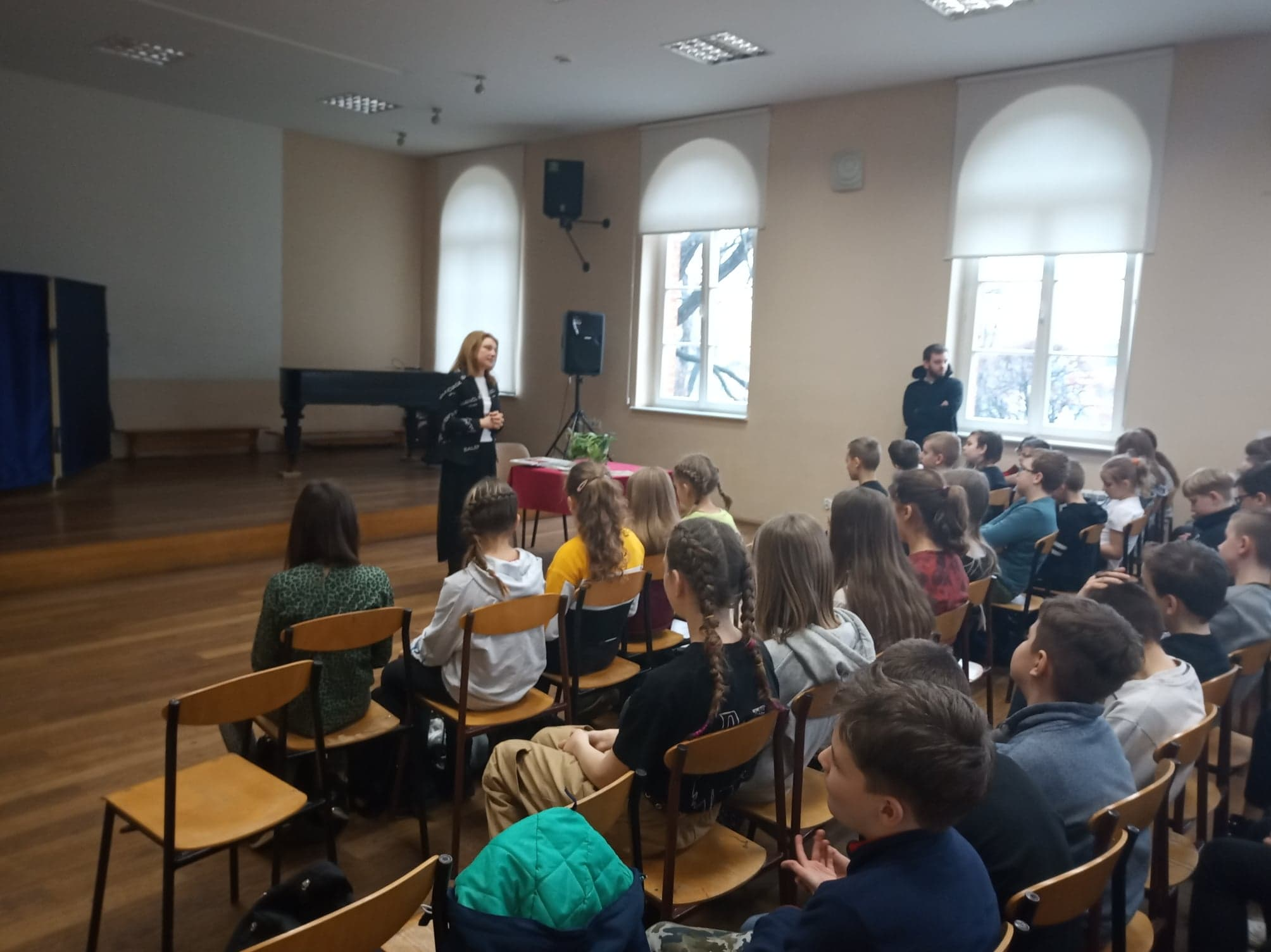 Nagrodzenie uczniów w ramach konkursów STOP UZALEŻNIENIOM