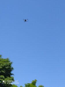 Dron nad szkołą