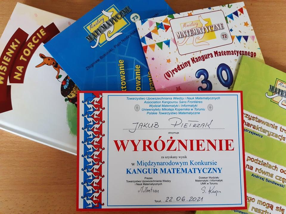"""Wyróżnienie w Międzynarodowym Konkursie Matematycznym """"Kangur"""""""