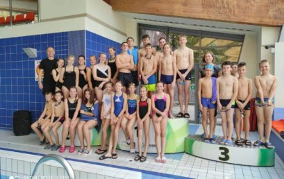 Czterokrotny awans pływaków z Dwójki